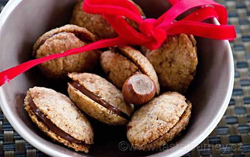 Baci di dama – dámské pusinky. Italské vánoční ořechové cukroví
