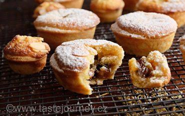 Cukroví, které psalo anglické dějiny. Vánoční koláčky mince pie, prokleté a milované.